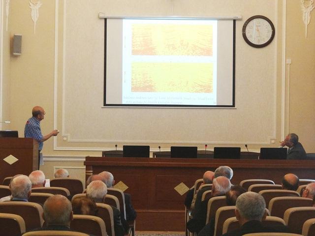 """""""Geoloji mühitin elastiklik əmsallarının çöl seysmik və quyu geofiziki məlumatları bazasında təyini üsulu"""" mövzusunda seminar keçirilib"""