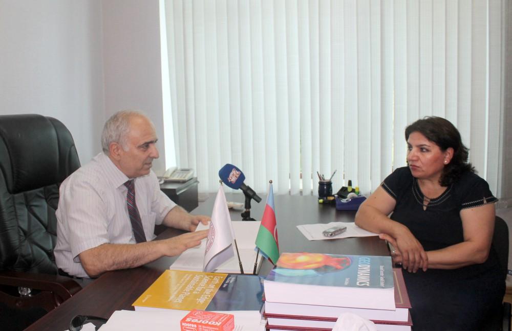 """Akademik Fəxrəddin Qədirov: Elmimizin dünyaya inteqrasiyasında""""Azərbaycan geologiyası"""" kitabının böyük rolu olacaq"""